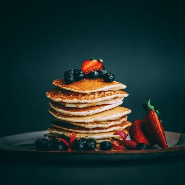 healthy pancake with berries